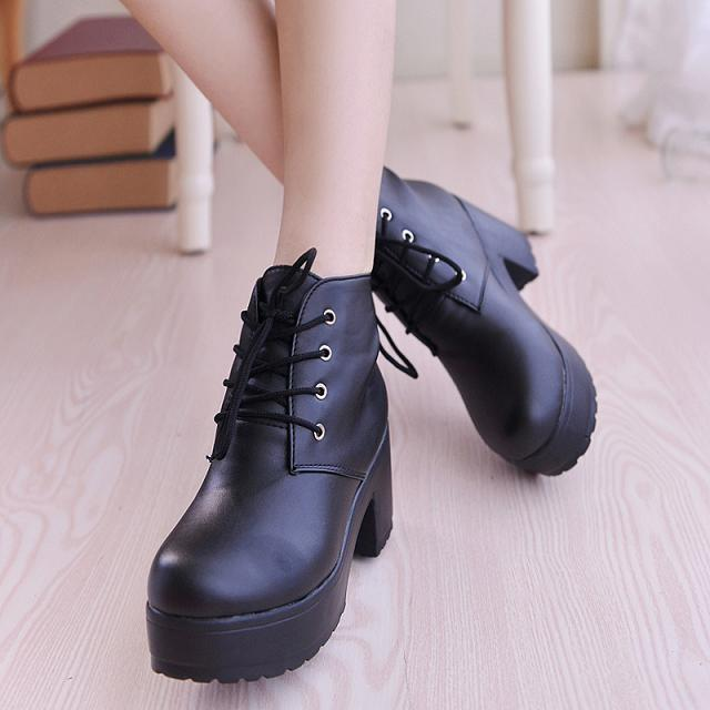 Wholesale Autumn Ankle Boots For Women Motorcycle Boots Chunky Heels Casual Lacing Round Toe Platform Boots Shoes Female in Ankle Boots from Shoes