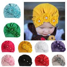 Сплошной для новорожденного, для маленьких девочек, с жемчужинами, три цветка, хлопковая шапочка шапка зимняя шапка милая, однотонная, милая, милая, теплая, мягкая