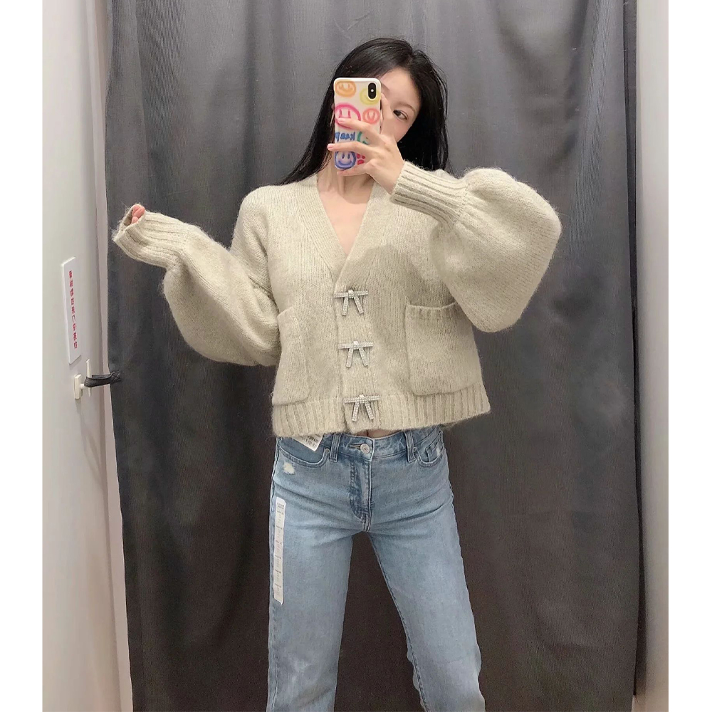 New Autumn Winter Women Knit Cardigan Rhinestone Buttons Long Sleeves V Neck Loose Sweater Casual Fashion Chic Tops
