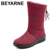 BEYARNEWarm zimowe buty z futerkiem dla kobiet 2019 ciepłe wodoodporne buty zimowe do połowy łydki śniegowe buty damskie buty damskie buty tanie tanio Flock Pasuje prawda na wymiar weź swój normalny rozmiar Okrągły nosek Zima Slip-on Stałe Kliny Podstawowe Krótki pluszowe