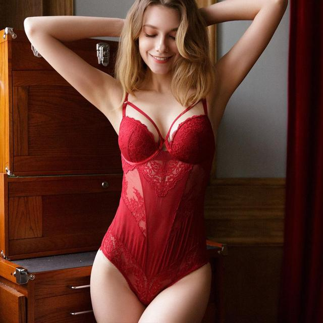 New Sexy Lace Hollow Bodysuit Women Embroidery Jumpsuit Temptation Red Europe Plus Size Bodysuit Body Sleeveless Top Playsuit 3