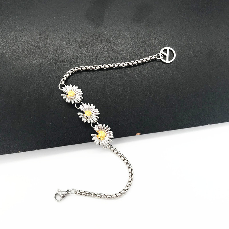 KPOP G-Dragon Three Daisy Design Bracelets Peaceminusone Women Jewelry PEACEMINUSONE Unisex Accessories
