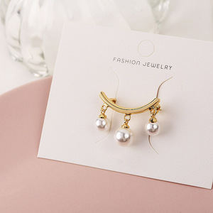 2020 New Fashion Three Pearls Gold Copper Boho Pin Personality Pendant Brooch Bohemia Simple Brooch For Women Jewelry Coat Pin