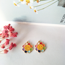 10pcs Smiley sunflowers Enamel Charms Pendant Drop Oil Gold Tone Alloy Charms Bracelet Earrings Jewelry DIY Accessories FX146 free shipping 10pcs lot gold tone plated oil drop jewelry single letter bracelet charms alloy metal oil drop enamel letter charm