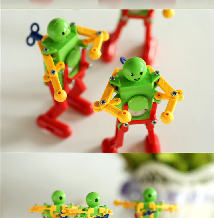 Children Stall Hot Selling Toy Winding Dancing Twist Butt Toy Spring Robot Dancing Robot