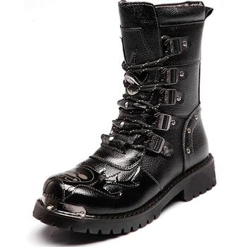 Męskie metalowe gotyckie buty ze skórki cielęcej Punk Retro skórzane buty motocyklowe męskie buty męskie buty wojskowe kowbojskie buty śnieżne tanie i dobre opinie HAN WILD CN (pochodzenie) Połowy łydki Stałe Dla dorosłych Mesh Bonded leather Okrągły nosek RUBBER Zima Niska (1 cm-3 cm)