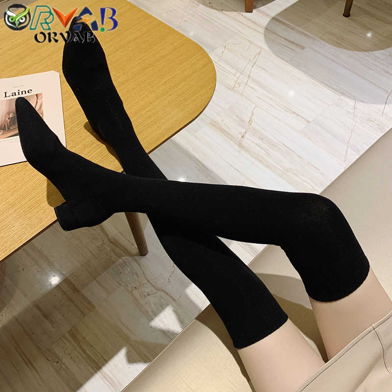 ถุงเท้าฤดูใบไม้ร่วงฤดูหนาวใหม่แฟชั่น SLIP-ON รองเท้าถุงเท้าผู้หญิงกว่าเข่ารองเท้าชี้ Toe ต้นขารองเท้าบูทสูงสุภาพสตรี Slim