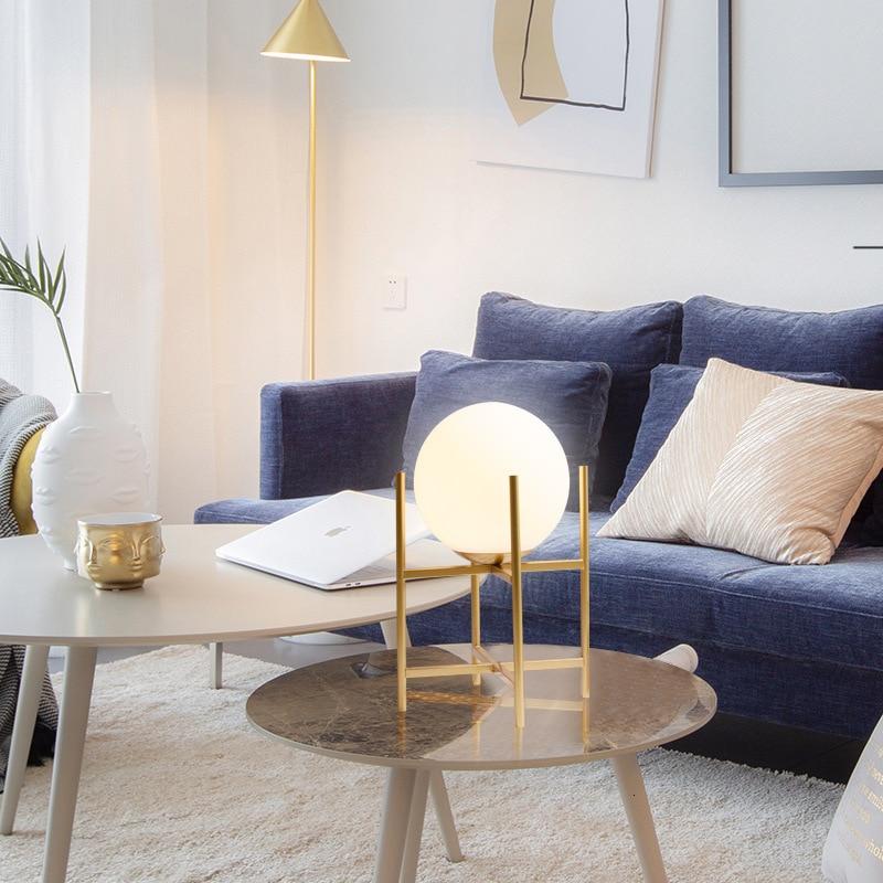 Настольная лампа в скандинавском стеклянном шарике для гостиной, чайный столик, прикроватная декоративная настольная лампа