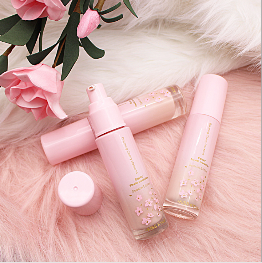 Cherry Blossoms Matte Semi-matte Lightweight Concealed Liquid Foundation To Brighten Skin Color And Makeup
