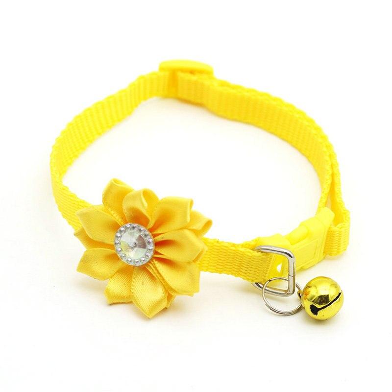 Ошейник для питомца собаки колокольчик цветок ожерелье ошейник для маленькой собаки щенок Пряжка ошейник для кошки колокольчик цветок товары для питомцев аксессуары для собак - Цвет: Yellow