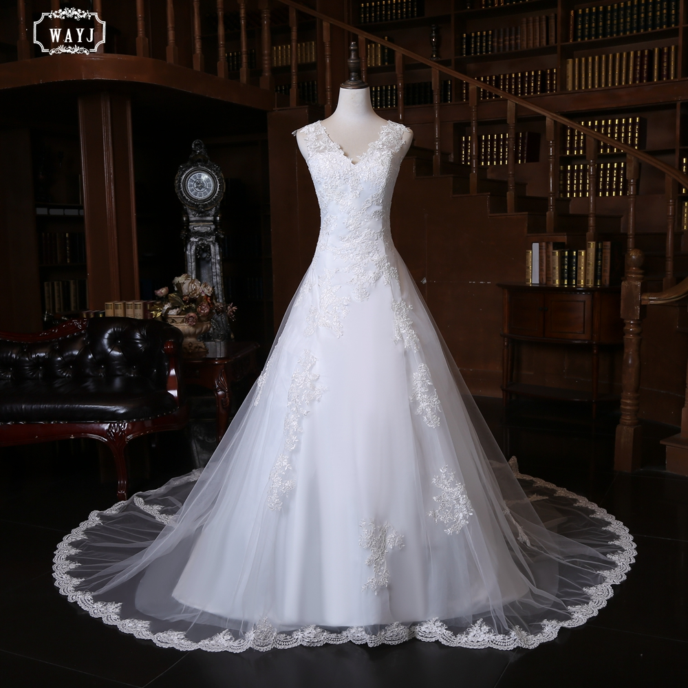 2019 New Simple Wedding Dress Long Sleeveless V-neck Lace Applique High Quality Customized Light Luxury Tailed Wedding Gown
