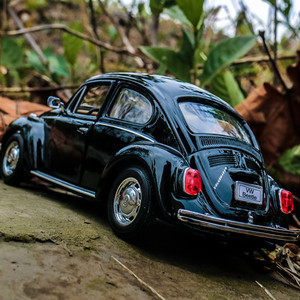 welly 1:24 VW Classic Car Beetle Black car alloy car model simulation car decoration collection gift toy Die casting model