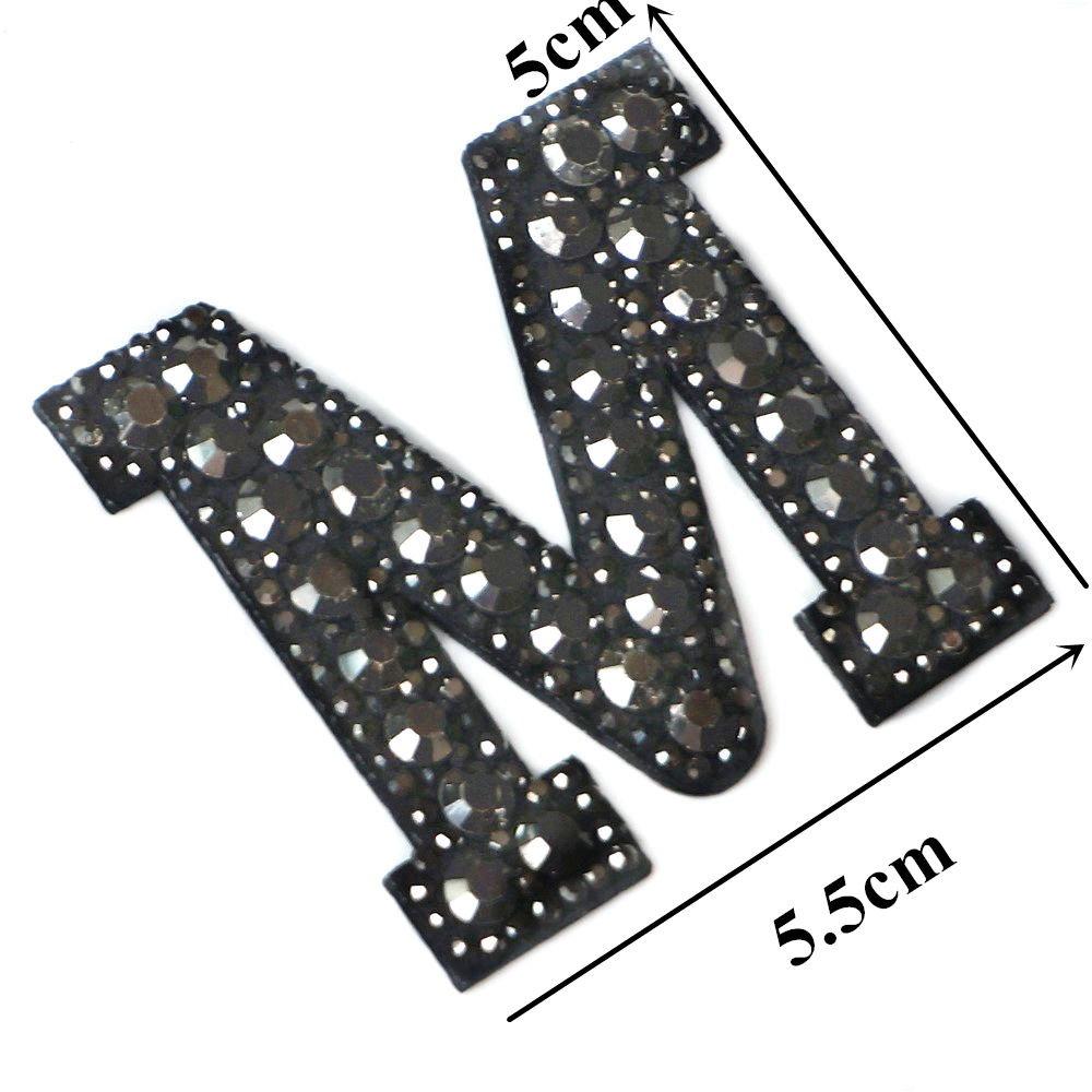Черные стразы 26 букв алфавита ABC пришить железные нашивки блестящие Значки для имени DIY платье джинсы Аппликации украшения - Цвет: M