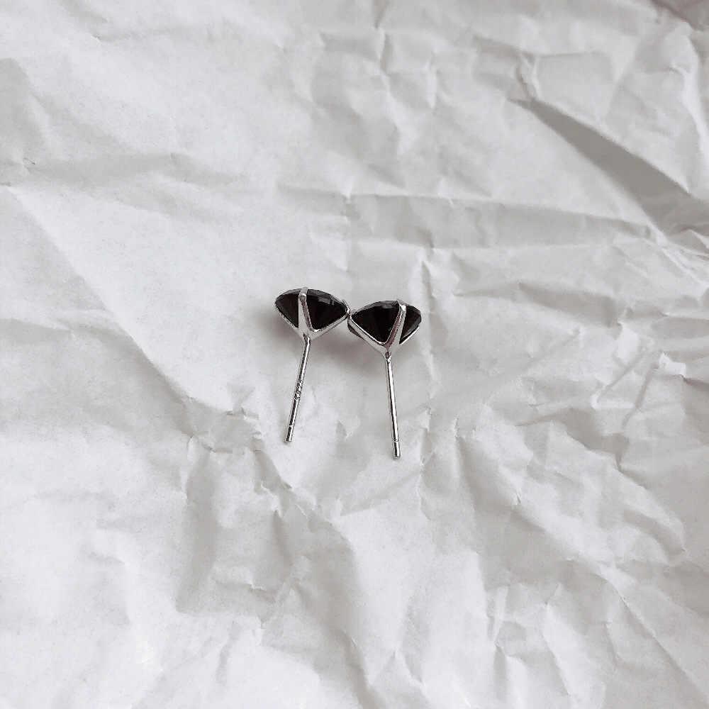 S925 argento nero strass orecchini di base senza dissolvenza fresco ossa dell'orecchio selvaggio orecchini per gli uomini e le donne regali all'ingrosso