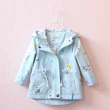 цена на New Spring Autumn Girls Windbreaker Coat Baby Kids Flower Embroidery Hooded Outwear Baby Kids Coats Jacket Clothing