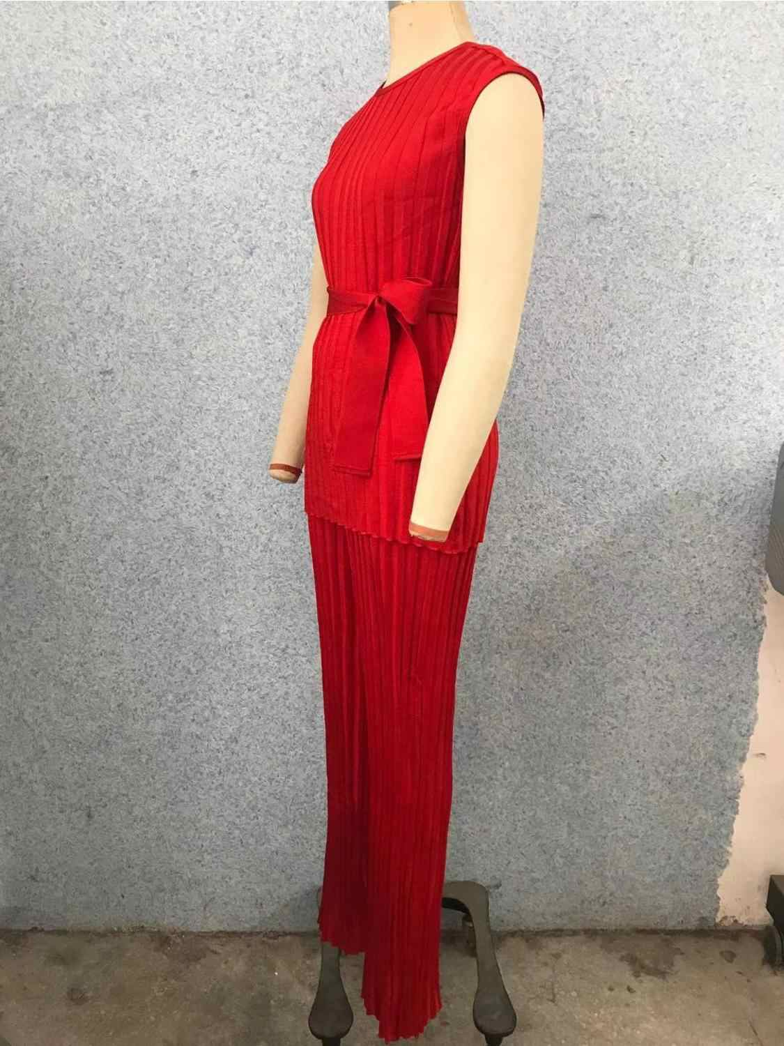 New 2019 Autumn Red Round Neck Sleeveless Tops Solid Color Pit Pattern Waist Thin Tie Set Wide Foot Jumpsuit
