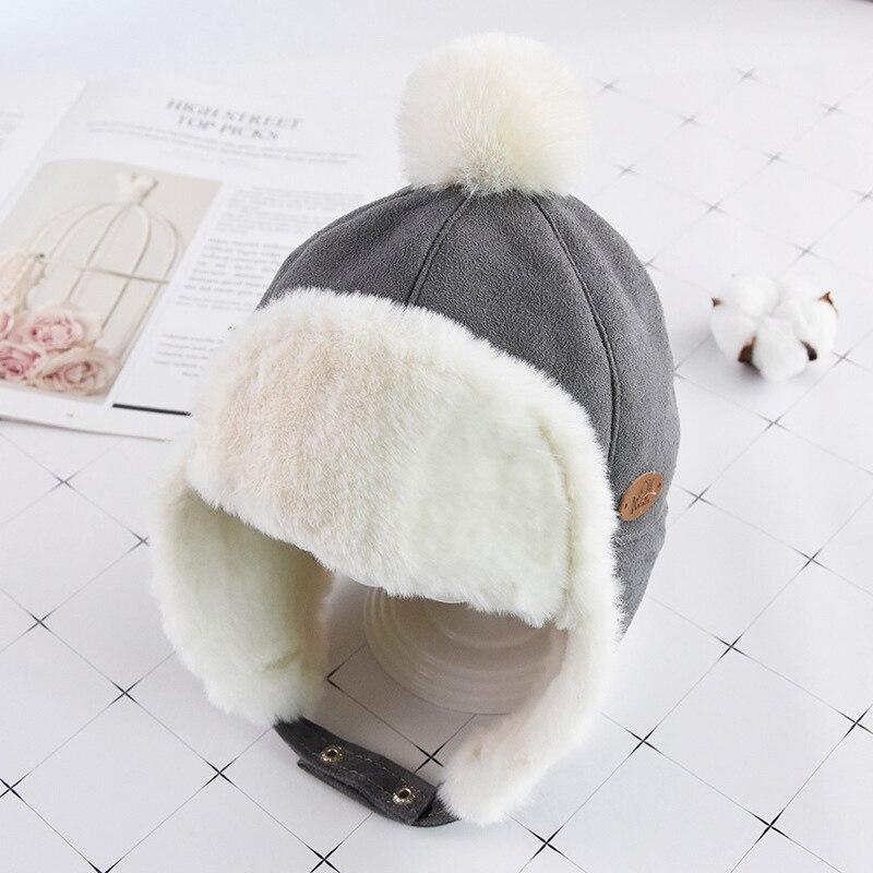 Маска для лица для мальчиков и девочек; шапка-ушанка с помпоном; милая детская зимняя бархатная утолщенная теплая ветрозащитная плюшевая шапка - Цвет: Серый