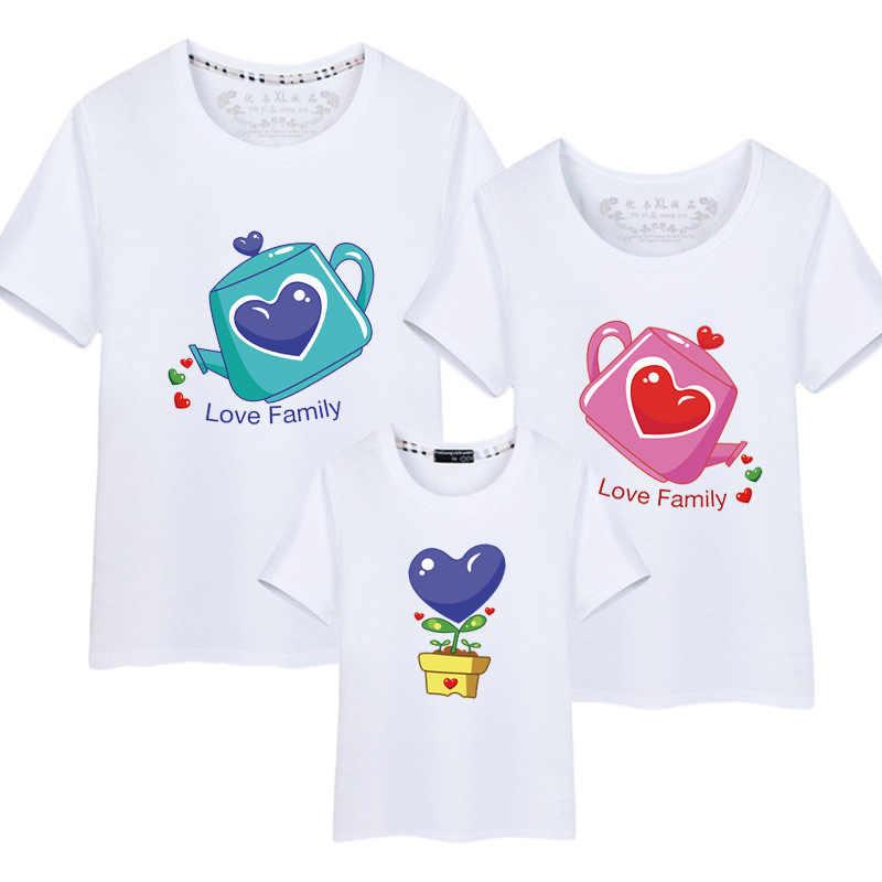 Футболка с надписью Love Heart Family, корейская мода в стиле Харадзюку для женщин, мамы и я, семейная одежда для мамы и сына, мужские рубашки желтого цвета