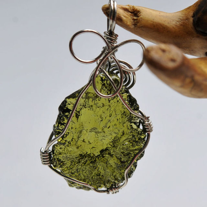 Natural Moldavite Green Crystal Energy Stone Pendant For Men And Women Couple necklace Fine Jewelry 4g 5g 6g 7g(China)