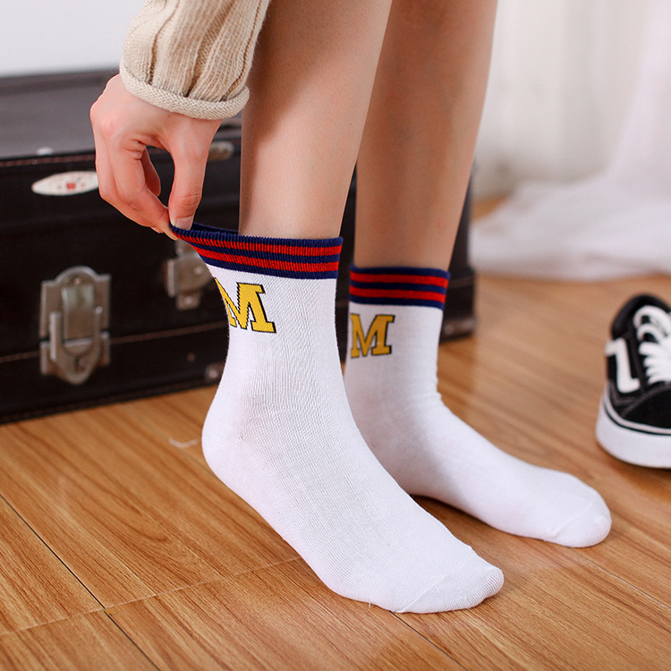Funny Cute Japanese High School Girls Cotton Loose Striped Crew Socks Colorful Women Sox Harajuku Designer Retro Yellow White