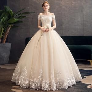 Image 2 - קלאסי שמפניה 2019 חדש חתונת שמלה אלגנטי סירת צוואר כבוי כתף תחרה ואגלי טאסל Slim כדור שמלת חלוק דה mariee