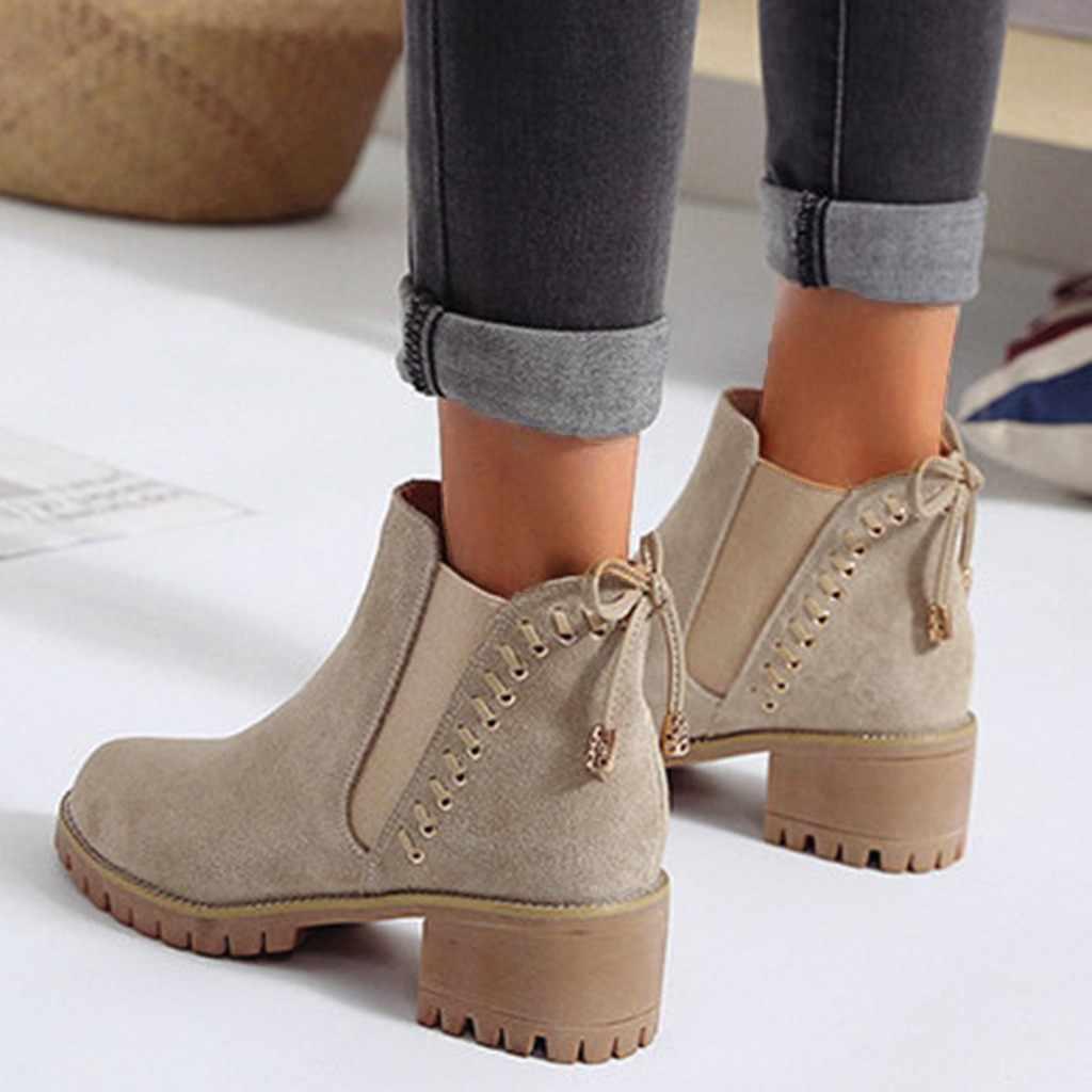 Kadın Retro perçin yarım çizmeler moda kış yay düğüm akın ayak bileği elastik kayma platformları çizmeler Vintage rahat Martin çizmeler