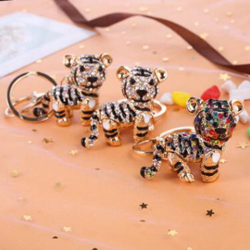 3D Fashion Crystal Tiger Keychain Animal Tiger Keychain Women Bag Accessories Creative Design Cartoon Pendant Car Key Chain Gift in Key Chains from Jewelry Accessories
