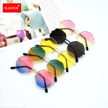 1pc di Modo Delle Donne Irregolare Ragazze Colorful Lens Metal Frame Occhiali Da Sole Occhiali Occhiali donne Guidano gli Occhiali Anti-UV400 Commercio All'ingrosso