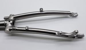 Image 5 - التيتانيوم الخلفي مثلث صالح برومبتون الدراجة 135 مللي متر 130 مللي متر العرض و الجبهة شوكة ل قرص كسر العرض 100 مللي متر ل 20 عجلات بوصة