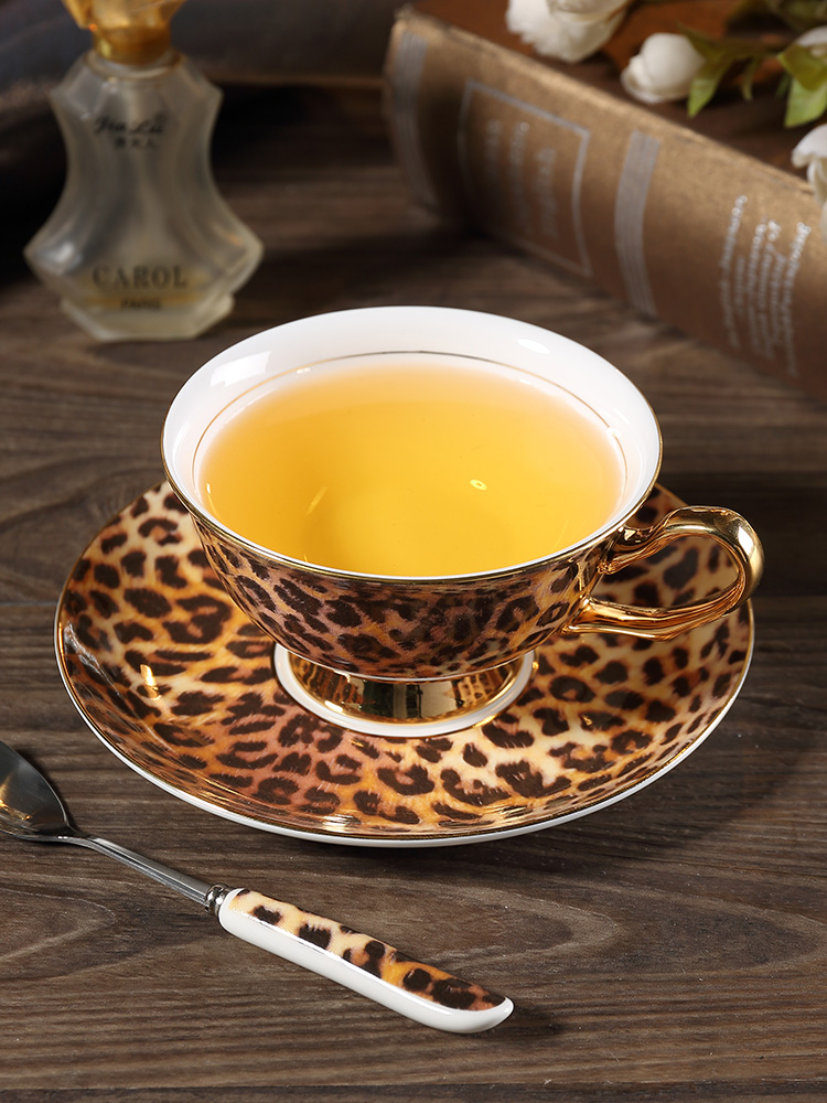 Europe Classic Leopard Print Bone China coffee cups and saucers coffee cup dish set Hand-painted Golden rim Home Party tea cup