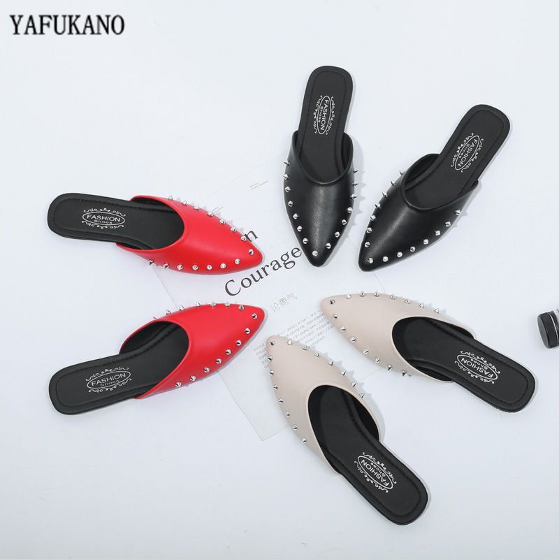 Women Slippers Summer Flat Heel Slippers Pointed Toe Fashion Rivet Slip Into Slides Lady Party Office Shoe Zapatos Mujer