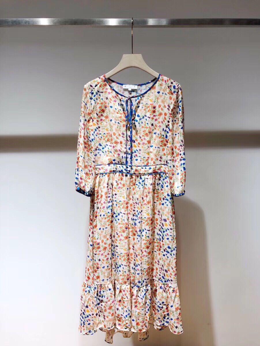 النساء اللباس 2019 الربيع الصيف مجموعة جديدة الأزهار الطباعة ميدي اللباس-في فساتين من ملابس نسائية على  مجموعة 1