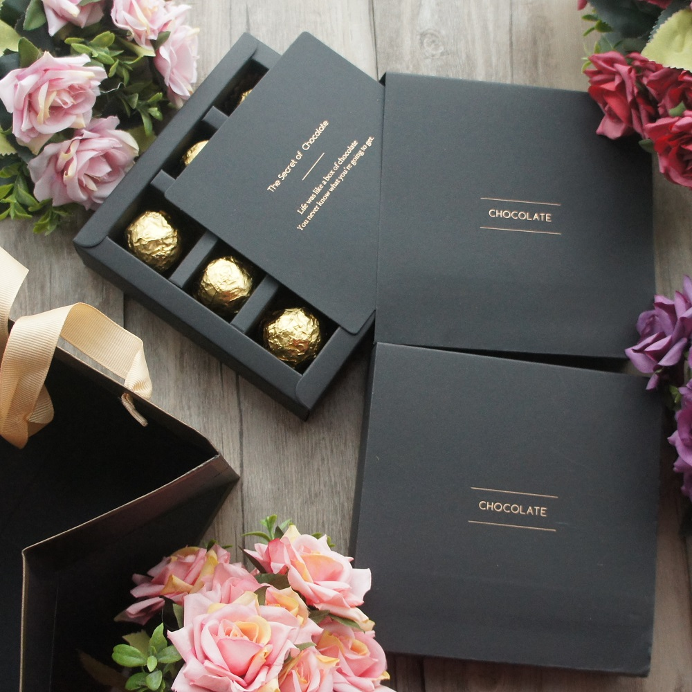 15.5*15.5*4cm 10set Elegant Valentine Chocolate Paper Box Gold Black Design Wedding Christmas Birthday Candy Packaging