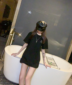 Image 5 - スカル tシャツの女性のファッションブランド 2020 夏のヨーロッパスタイル重工業ホットスタンプのデザイン半袖女の子 t