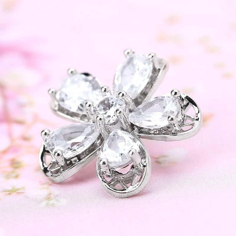 1Pc 1Pc 17mm Luxury Glitter Zircon Five Petals Flower Shape Decorative Buttons With Metal Loop Shank Hole Sewing Clip Buckle DIY