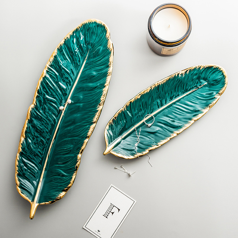 Набор керамических тарелок с золотым покрытием, модный дизайн с перьями, поднос для ювелирных изделий, столовые принадлежности, тарелка для фруктов приглушенной плотности, кухонная посуда-1