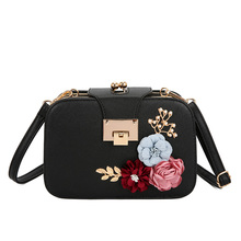 2019 PU leather girl sling bag Flowers Women Shoulder Bag Flap lady Handbags Clutch Bag Ladies Messenger Bags With Metal Buckles vintage women bags ethnic patchwork pu leather shoulder bag retro tassel desinger handbags messenger bag casual flap clutch ttou