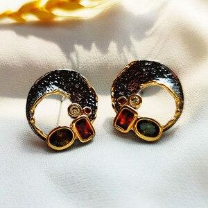 Image 3 - Goud/Zwart 2 Tone Stud Oorbellen Gat Ontwerp Vintage Sieraden Groene Rode Kristal Sieraden Nieuwste 2020 Oorbel Voor Vrouwen