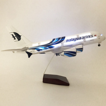Malaysia Airlines 380 Aircraft Model LED Aircraft Light Aircraft Model Passenger Aircraft Aircraft Model Children's Toy Aircraft
