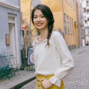 Image 3 - INMAN, весна 2020, Новое поступление, чистый цвет, художественная вышивка, лацканы, кружева, рукава, выдолбленные, свободные, длинный рукав, женская рубашка
