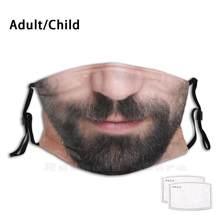 Rosto masculino com barba close-up engraçado impressão reutilizável pm2.5 filtro máscara facial retrato humano detalhe trecho parte inferior beared