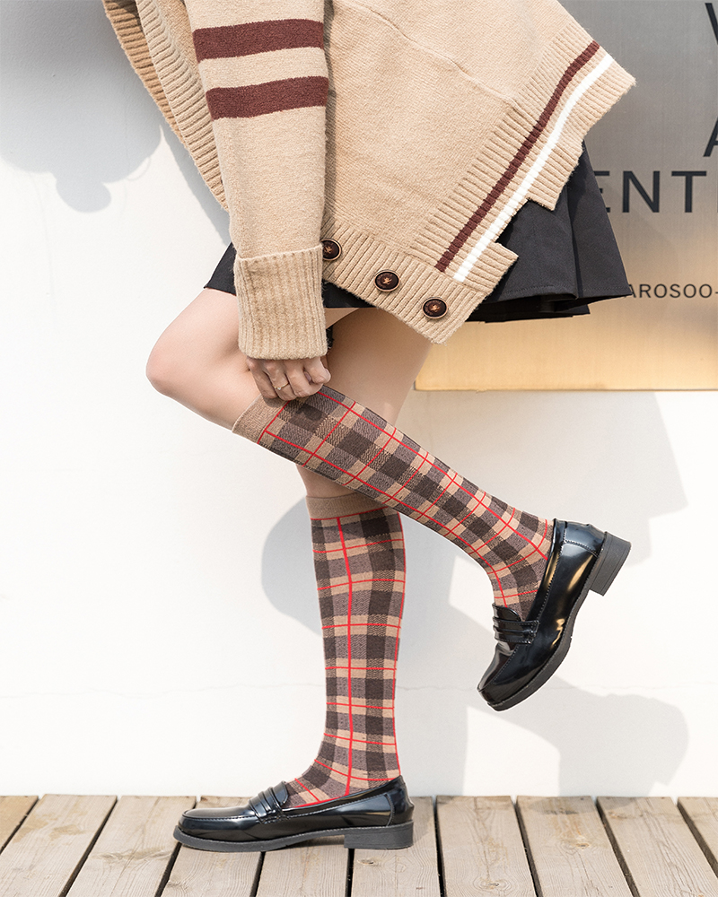 Spring And Autumn England National Wind Retro Plaid Long Socks Women's Socks Football / Boots Socks Size: 36-43