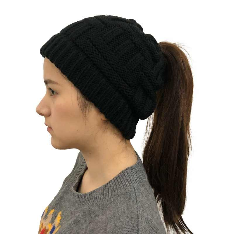 Gorro de lã de malha macia gorro de inverno para mulher boné de lã estiramento crochê messy bun holey hat casual skullies gorros menina