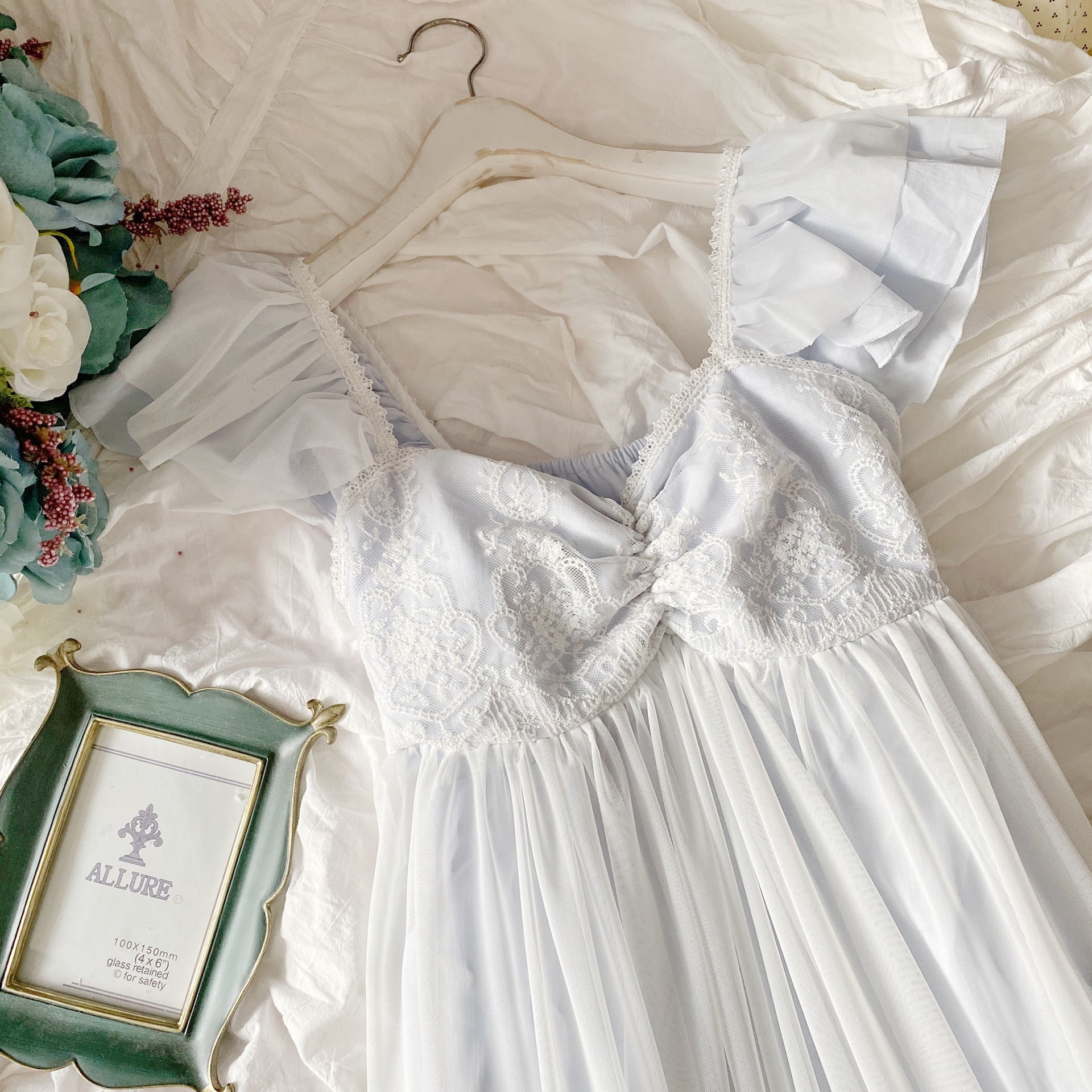 Delicate Summer Sleeveless White Lace Cotton Women's Nightgowns Vintage Princess Female Loose Long Sleepwear Sexy Night Dress