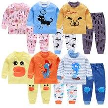 Хлопковые детские пижамные комплекты для мальчиков; Милая футболка с длинными рукавами и круглым вырезом и принтом с героями мультфильмов; топы и штаны; детская одежда для маленьких девочек