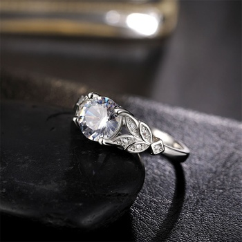 1PC Hot Crystal Leaf Engagement Ring 4