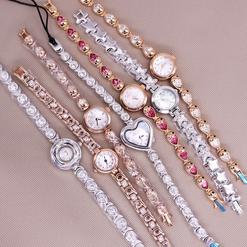SALE!!! Discount Small Mini Davena Crystal Rhinestones Lady Women's Watch Japan Mov't Hours Metal Bracelet Girl's Gift No Box