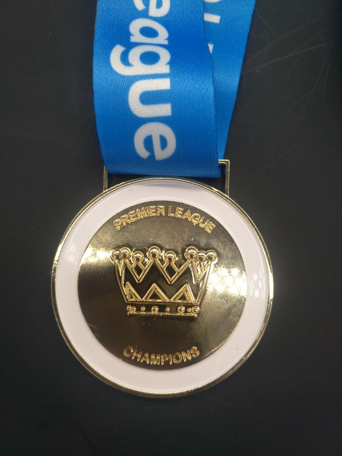 Hot Sale  2018 To 2019 English Champion Clubs' Cup Football League Gold Medal Replica Fans Collection