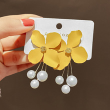 2020 New Design Elegant Flower Simulated-pearl Earrings Fashion Jewelry Summer Yellow Beach Party Long Drop Earring for Women natural purple pearl drop earrings 18k yellow gold women elegant simple fashion drop earrings for party