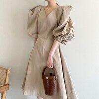 2021 sommer Kleid Koreanische Chic Französisch Dünne V-ausschnitt Kleider Taille Länge Über Knie Große Schaukel Blase Hülse Kleid Für Frauen